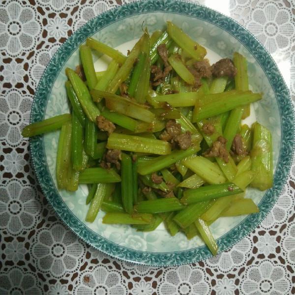凤尾螺9的芹菜炒肉做法的学习成果照