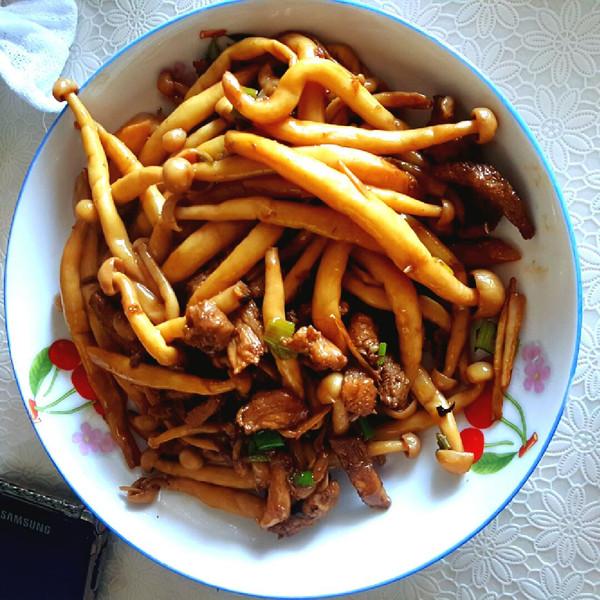这么可爱怪我咯的蘑菇炒肉做法的学习成果照_豆果美食