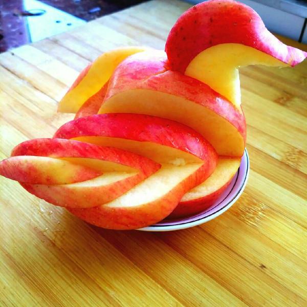 野蛮橙子的 苹果天鹅 手把手教你拼盘装饰 做法的学习成果照 豆果美食