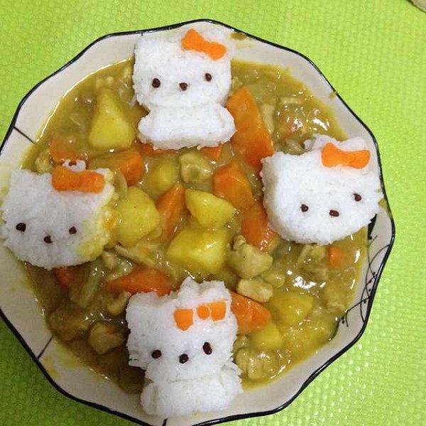 咖喱鸡腿饭,配上可爱的饭团,孩子更爱吃了