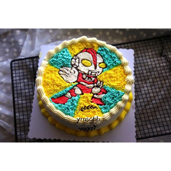 手绘奥特曼蛋糕