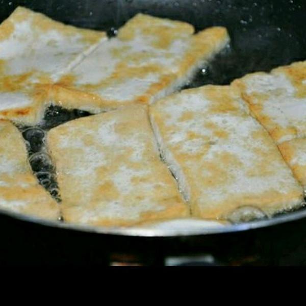 油炸豆腐的家常做法_油炸脆皮豆腐的做法