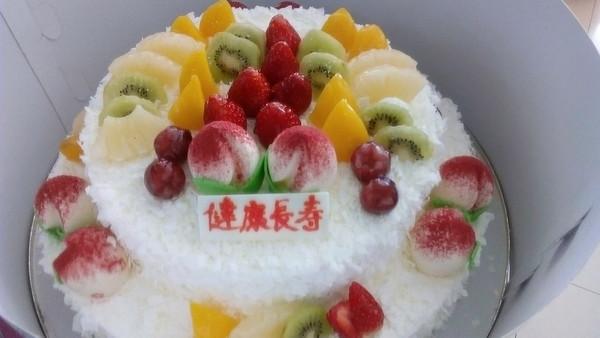 夏小天/寿桃蛋糕