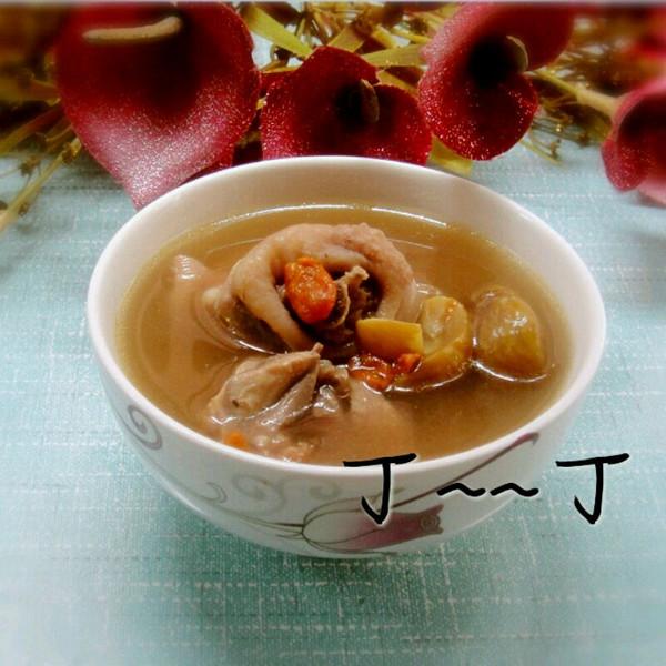 板栗煲鸡汤_板栗煲鸡汤