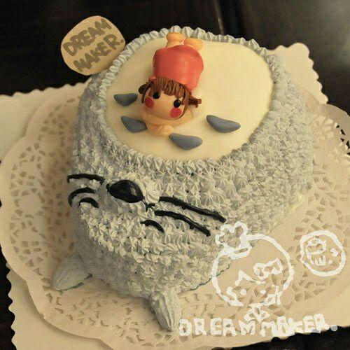 小女孩龙猫奶油蛋糕