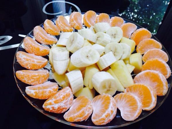 无云天空下的苹果石榴水果拼盘做法的学习成果照 豆果美食