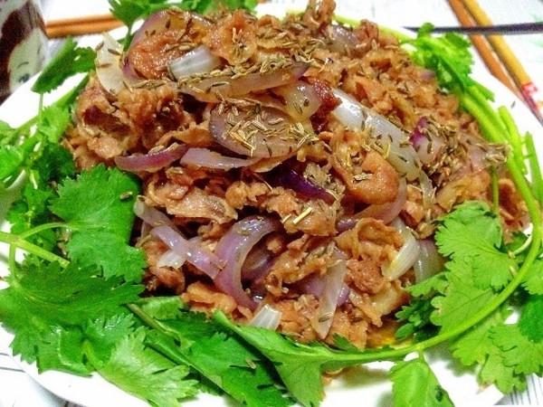 每个夏天的念想 新疆的美食诱惑 新疆 烤肉 羊肉串 新浪时尚