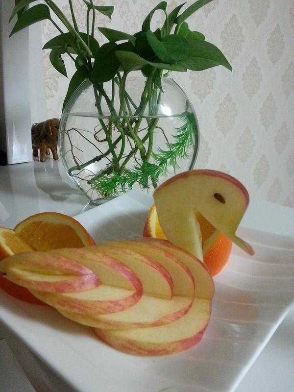 79801的 苹果天鹅 手把手教你拼盘装饰 做法的学习成果照 豆果美食