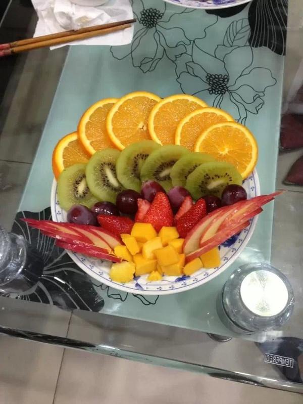 水果拼盘大杂烩苹果橘子葡萄减肥美容养颜色彩缤纷花世界图片