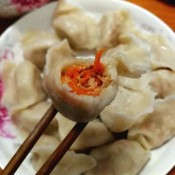 喏~大海的胡萝卜猪肉饺子做法的学习成果照