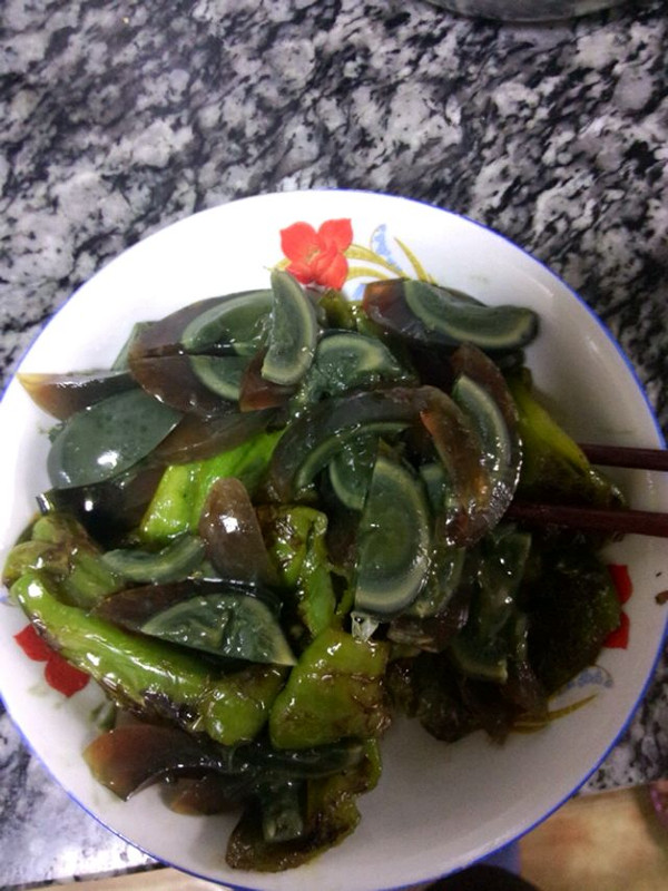 岁O寒 O的虎皮青椒皮蛋做法的学习成果照 豆果美食