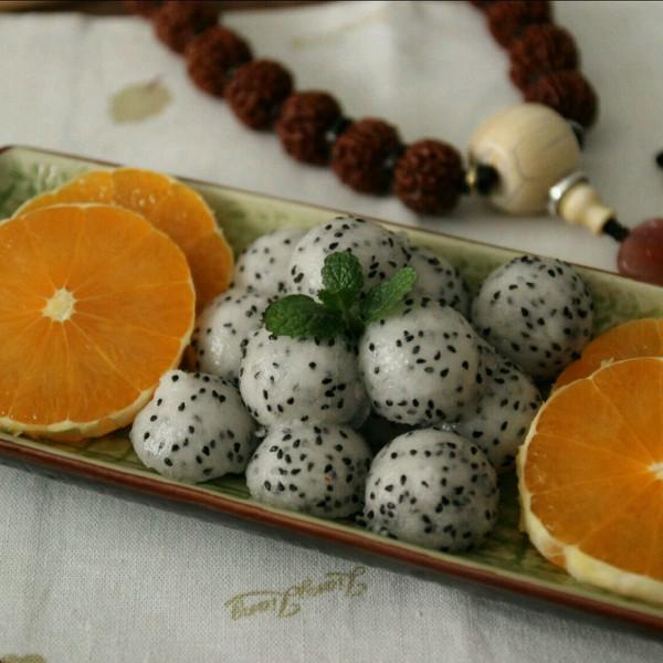 月色清辉的果盘:火龙果的4种切法(水果切法图解)做法